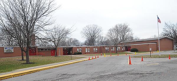 Oakwood Elementary.  STEVE MANHEIM/CHRONICLE