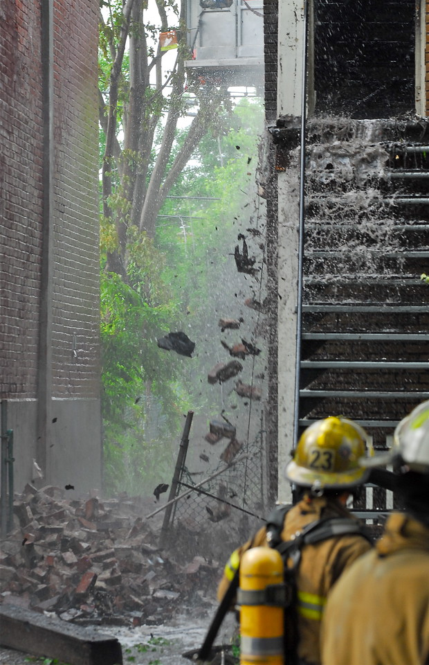 May 28, 2012.  Photo featured on :  mynews@ctv.ca  http://mynews.ctv.ca/mediadetail/6624421?collection=602&q=+&offset=35&siteT=montreal