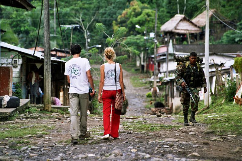 A finales de los años 90, PBI acompañó a organizaciones y comunidades en el Urabá (frontera con Panamá), Antioquia y el Magdalena Medio. <br /> Foto: Jorge Mata