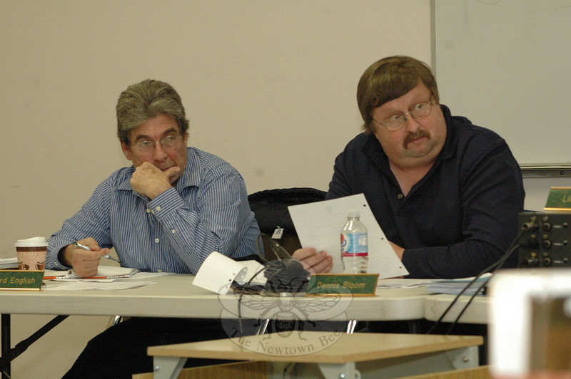 Planning and Zoning Commission (P&Z) members Richard English, left, and Dennis Bloom listen on November 5, as other panel members discuss a set of proposed land use regulations that are intended to protect the environment.  (Gorosko photo)