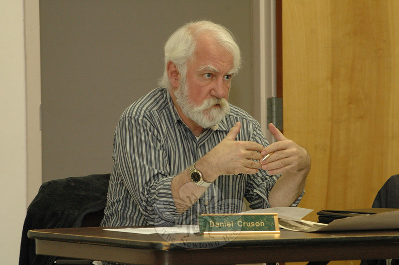 Planning and Zoning Commission (P&Z) member Daniel Cruson makes a point at a November 5 P&Z public hearing on proposed land use regulations designed to protect the environment.  (Gorosko photo)