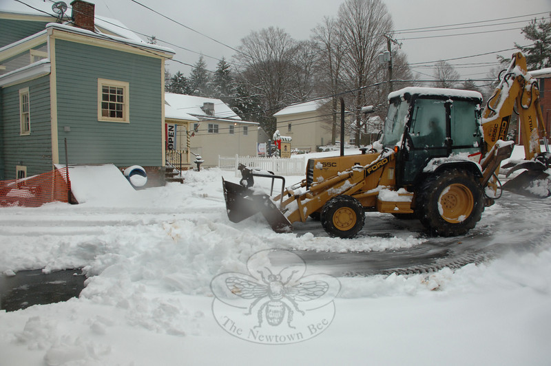 Private contractors cleared parking lots in Sandy Hook Wednesday morning, following a messy start to the day.  (Bobowick)