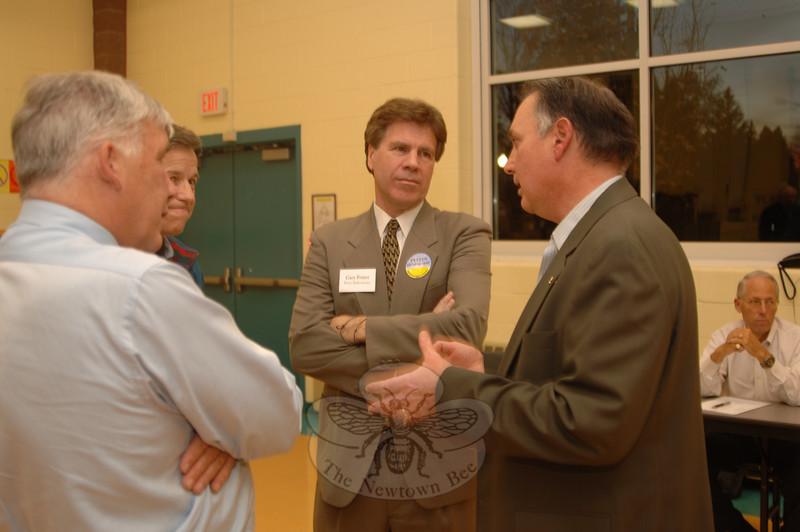 Pizza & Politics at Reed School, October 26, 2009.  (Bobowick photo)