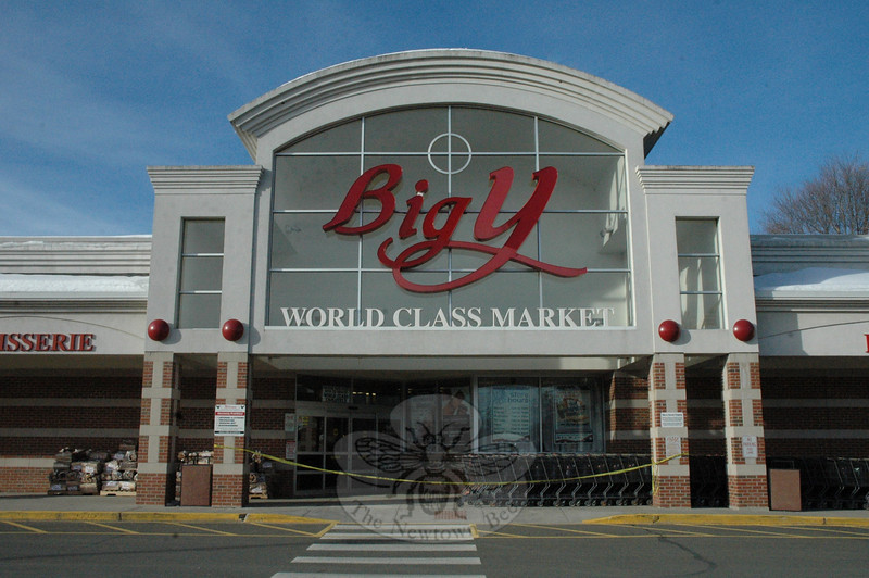 The Big Y supermarket on Queen Street closed for a time Wednesday morning so that the roof could be inspected for any structural damage caused by an accumulation of snow. The building was inspected, declared safe to occupy, and then reopened later that morning.  (Gorosko photo)