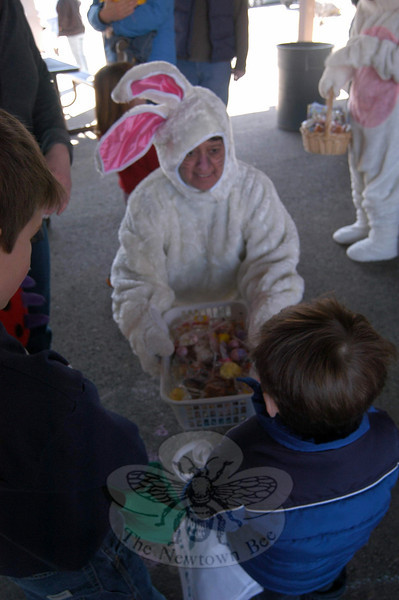 A costumed Maryann Viesto welcomed dozens of children for the annual Spring Egg Hunt at Dickinson Park on April 16.  (Hallabeck photo)