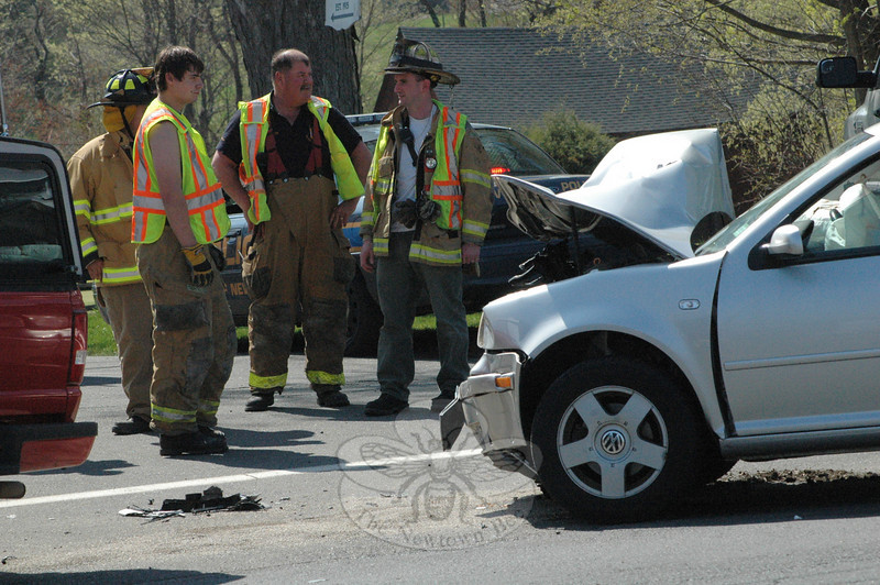 Newtown Hook & Ladder volunteer firefighters and Newtown Volunteer Ambulance Corps members responded about 2:42 pm on April 26 to a two-vehicle accident at the congested intersection of South Main Street and Country Club Road. The mishap involved motorists who were driving a Volkswagen Jetta sedan and a Ford Ranger pickup truck. The accident caused travel delays in that area. Details on the incident were not available from police before the deadline for this edition of The Bee. (Gorosko photo)