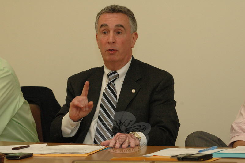 Police Commission Chairman Duane Giannini makes at point at a commission meeting. The panel discussed traffic/pedestrian safety in the town center, with a focus on Queen Street and Glover Avenue.  (Gorosko photo)