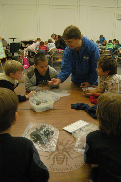 Tom Alena of Talcot Mountain State Park demonstrated different rocks and minerals for Hawley third grade students in the school's multipurpose room on Thursday, October 21.  (Hallabeck photo)