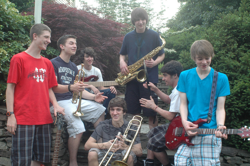 Newtown-based Smokebomb Mondays will be playing their next headline set at the Amity Teen Center in Woodbridge on Saturday, July 25. The band includes, from left, guitarist and vocalist Danny Bittman, Pat Milano on trumpet and vocals, bassist Tim Eames, Harrison Buzzi on trombone, Jonah McKeown on saxophone, drummer Matt Spencer and guitarist Liam Reynolds.  (Voket photo)