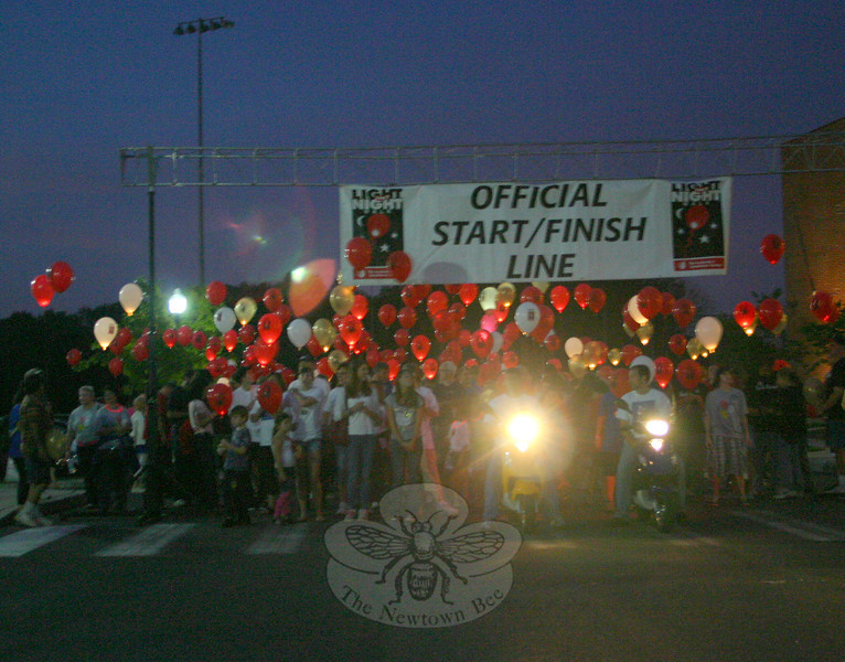 More than 400 people participated in the 2011 Fairfield County Light The Night Walk, held September 24 at Fairfield Hills. The event is presented by and is a major fundraiser for The Leukemia & Lymphoma Society.  (Hicks photo)