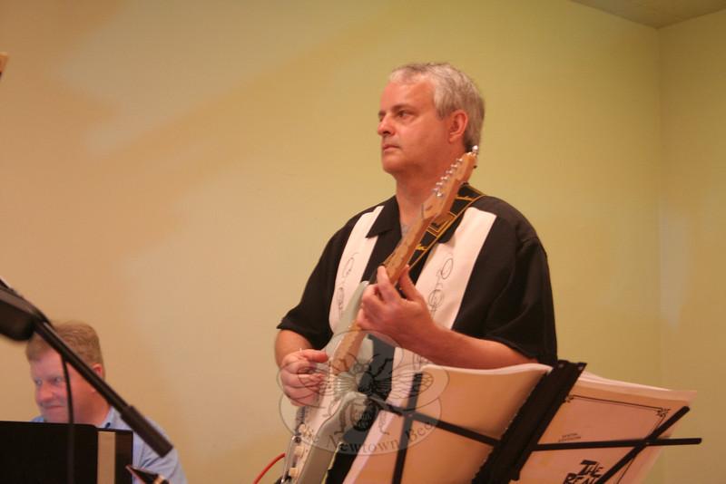 Boplicity guitarist Warren McGuire.  (Hicks photo)