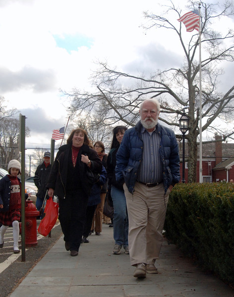 Dan Cruson will not be making attendees of his January 9 lecture walk around. The Town Historian, shown here during one of the walking tours he led during the 2011 Holiday Festival, will instead invite his guests to sit comfortably in the lower meeting room at C.H. Booth Library for his annual lecture, this year to focus on local facets of the American Revolution. —Bee Photo, Bobowick