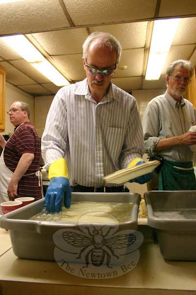 Carl Dalzell had dishwashing duties during the 55th Annual Shrove Tuesday Pancake Supper at St John's Episcopal Church this week.  —Bee Photo, Hicks