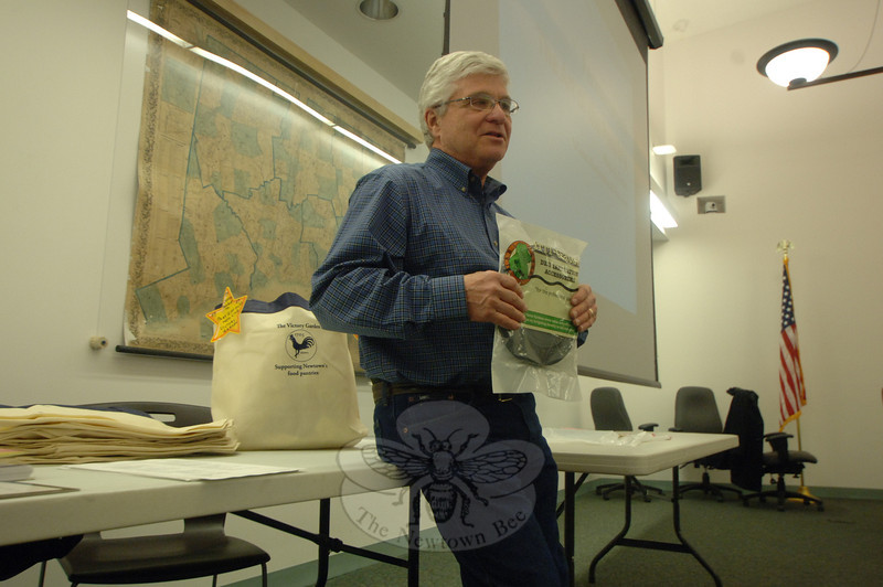 Victory Garden founder Harvey Pessin spoke briefly with guests at the Victory Garden's kickoff meeting February 29 before opening the afternoon to guest speakers.  (Bobowick photo)
