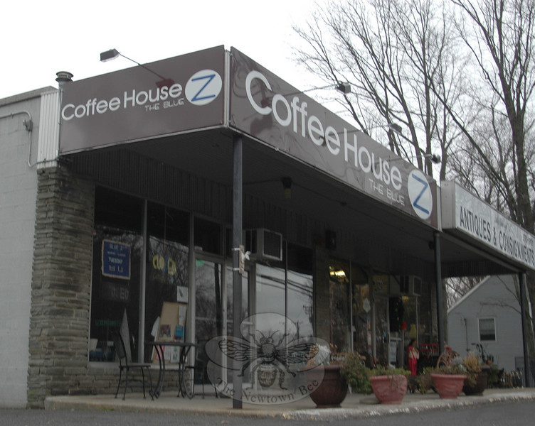 Two local high profile food service businesses have recently shuttered their doors. The Blue Z Coffee House at 127 South Main Street (shown here) has gone out of business after struggling for some time to keep afloat, according to Lauren Baluzy, daughter of the coffee shop's owner Steve Baluzy. Also, Chao Chi, a restaurant at the intersection of Glen and Church Hill Roads in Sandy Hook Center, is closed until further notice.  (Voket photo)