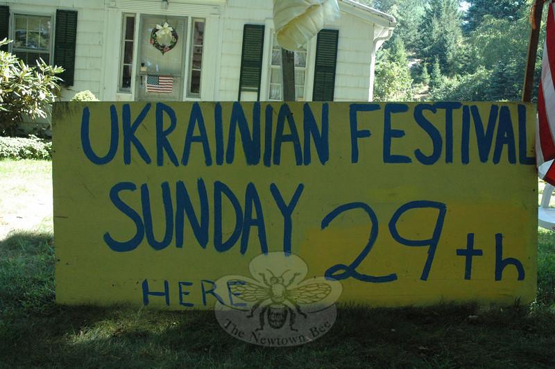A large sign advertised the Ukrainian Festival on Hattertown Road.  (Gorosko photo)