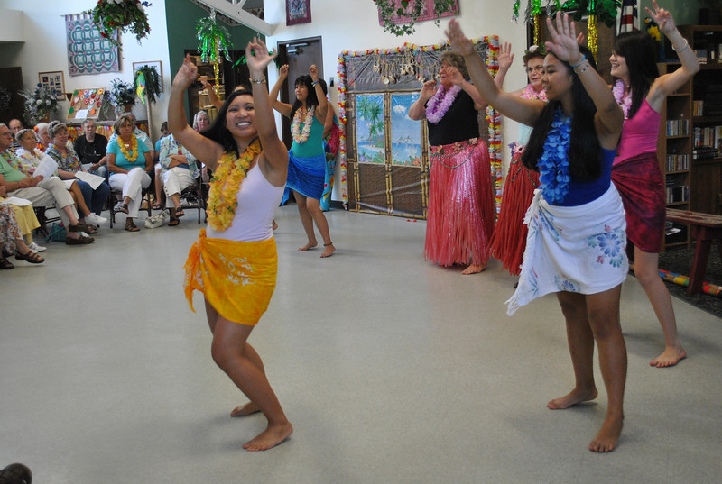 "Alay dancers join with hula dancers from Brookfield in a techno version of ""Tiny Bubbles"" to end the afternoon's performance.  (Crevier photo)"