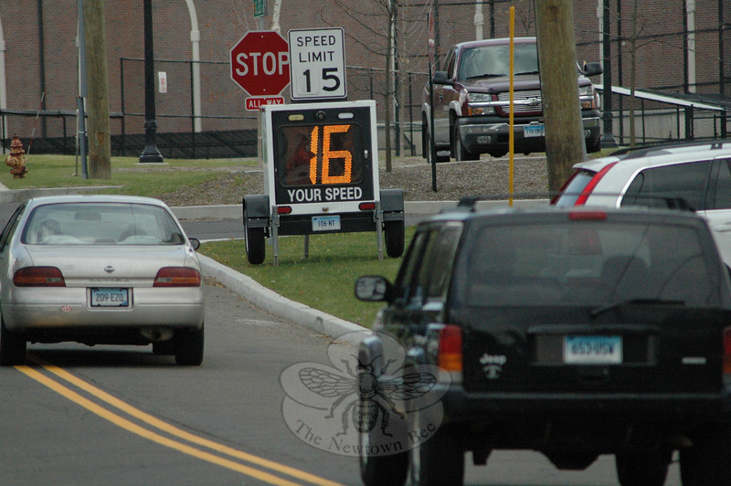 Most motorists who drove toward this radar-actuated speed display at Fairfield Hills last week held down their travel speeds. The display electronically indicates an approaching driver's travel speed in comparison to the posted speed limit in the area, which is listed on a speed limit sign atop the device. The speed display was positioned at the intersection of DG Beers Boulevard and Primrose Street, near the Municipal Center.  (Gorosko photo)
