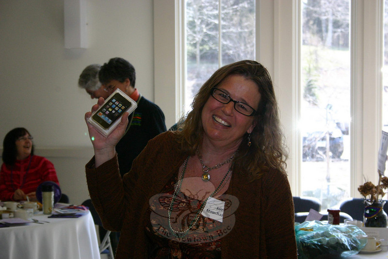 Sue Mouchantat went home with a brand new 32gb iPod Touch, one of the big raffle prizes from the NEWS fundraising breakfast on March 27.  (Hicks photo)