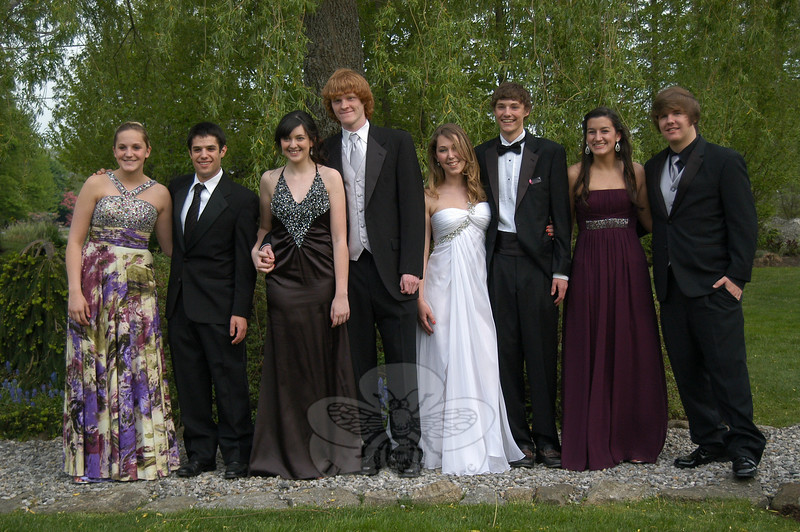 Newtown High School students gathered at The Pleasance on Main Street before heading to Southbury for the graduating class of 2010's Senior Prom.  (Hallabeck photo)