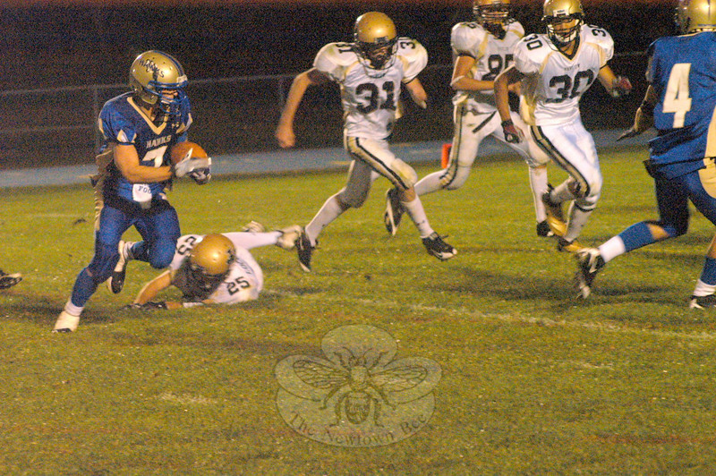 September 25, 2009: Kyle O'Connor carries the ball during Newtown's 17-7 win over Joel Barlow in Newtown last Friday night. (Bee Photo, Hutchison)