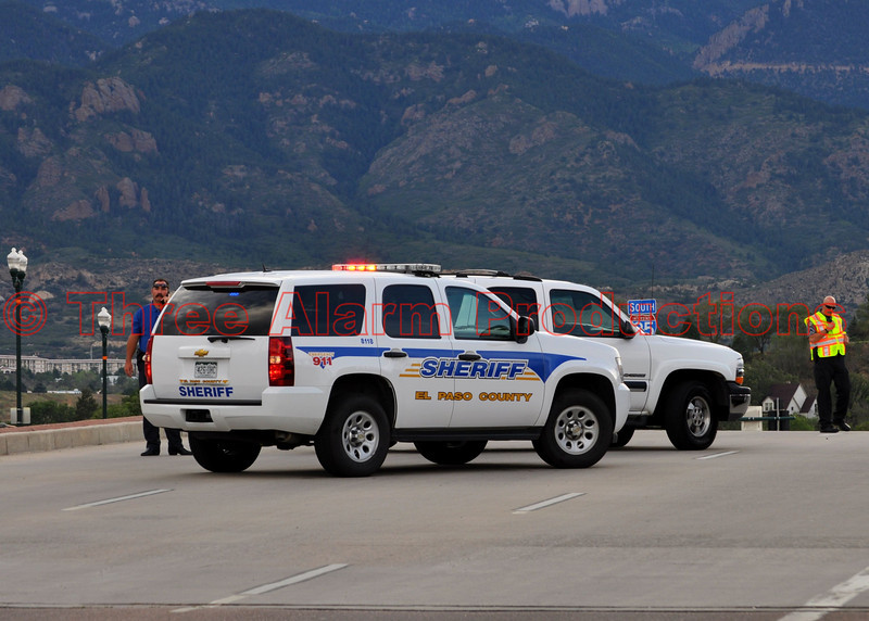 Deputies and police out controlling traffic near I-25 and Bijou on a suicidal party threatening to jump.