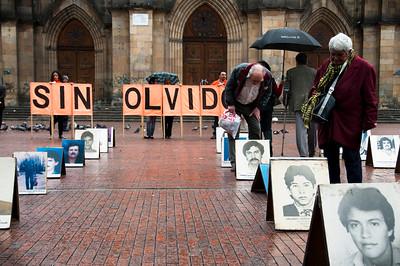 Sensibilizar a la sociedad civil es un paso importante. Para los familiares, la desaparición forzada sigue siendo una historia no contada, una historia que ha sido silenciada por mucho tiempo.