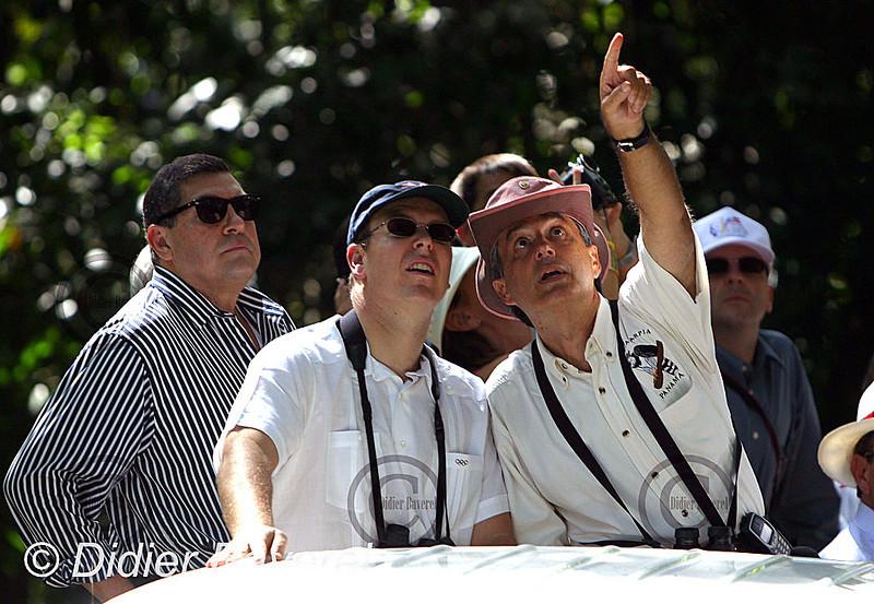 26/11/2002  PANAMA CITY (PANAMA)  VISITE DE SAS ALBERT DE MONACO DECOUVERTE DU PARC NATIONALE RAINFOREST ET DE L'HOTEL CANOPY TOWER PERCHE EN PLEINE VEGETATION ET VUE SUR LA CANOPEE EN COMPAGNIE DU PRESIDENT DE CANOPY ADVENTURE MR RAUL ARIAS DE PARA