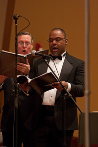 "(1) Slug #: W 00018981; (2) Ridgewood, NJ; (3) 03/13/09; (4) Pro Arte Chorale Presents A Tapestr of Love, Life and Song in 2nd Concert of 45th Season at Westside Presbyterian Church; (5) Baritone soloist James Edward Splond III, in performance with the Pro Arte Chorale at the Westside Presbyterian Church on 3/13/2009, the premier of Robert Cohen's ""Sing With Me"" ; (6) W.H. GRAE for The Ridgewood News"