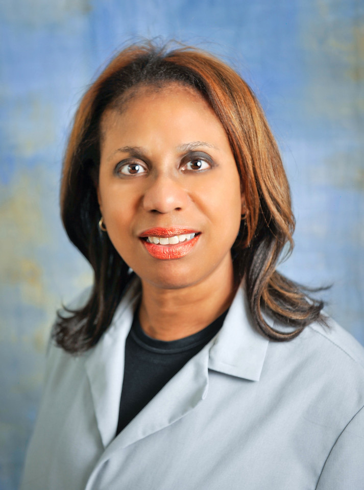Lesley Chanes, Internal Medicine