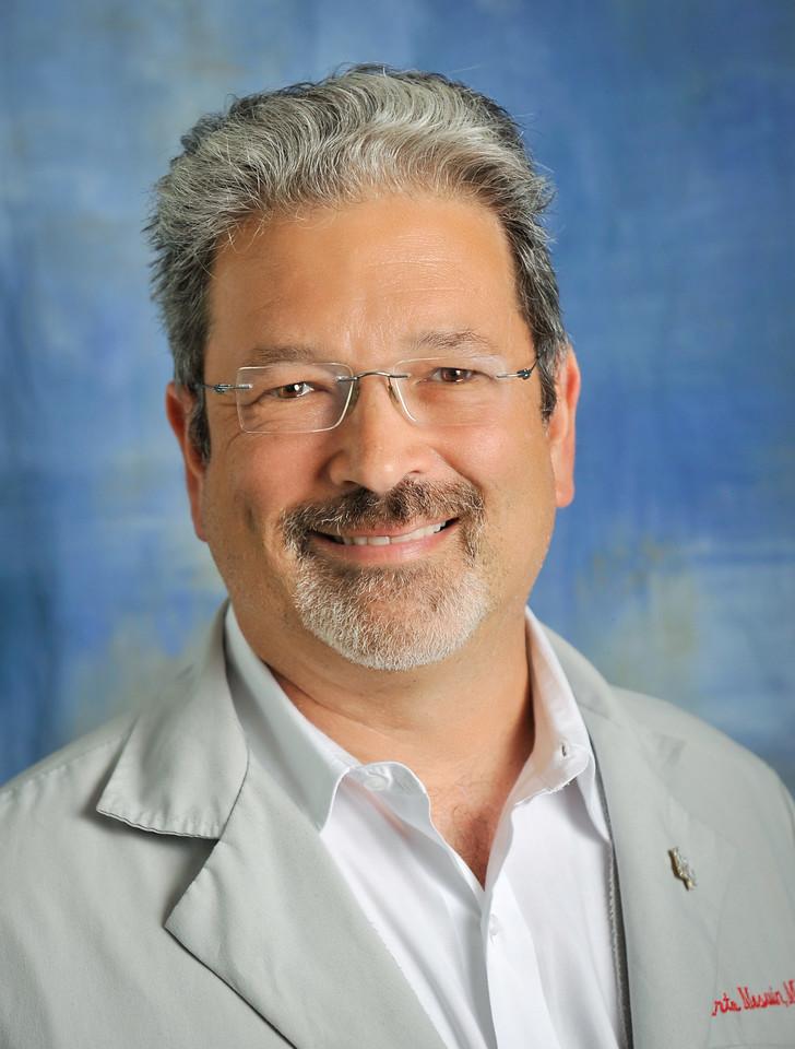 Arthur Mosuin, internal medicine/HIV