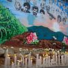 Con flores y velas encendidas en mano salieron los familiares en caminata hacia el Mural de la Memoria. El Mural fue hecho exclusivamente para honrar la memoria de los campesinos desaparecidos y fue auspiciado y levantado por los propios familiares. En el mural fueron dibujados los rostros de los desaparecidos entre elementos comunes de la zona como son una montaña, un maizal, dos caballos y flores de Bonche.<br /> <br /> Foto: Alejandro González