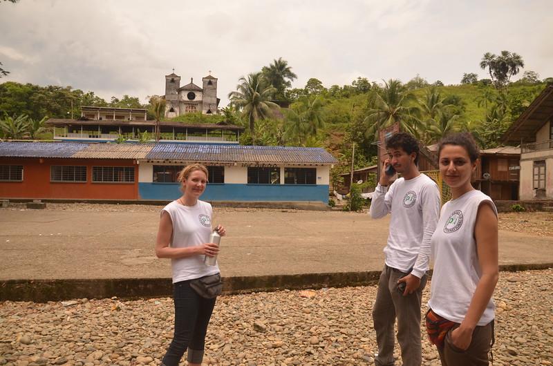 Aprovechamos este acompañamiento para formar a dos nuevas compañeras, Nicki y Marilú, que acaban de entrar en el proyecto como brigadistas de terreno del nuevo equipo Bogotá.