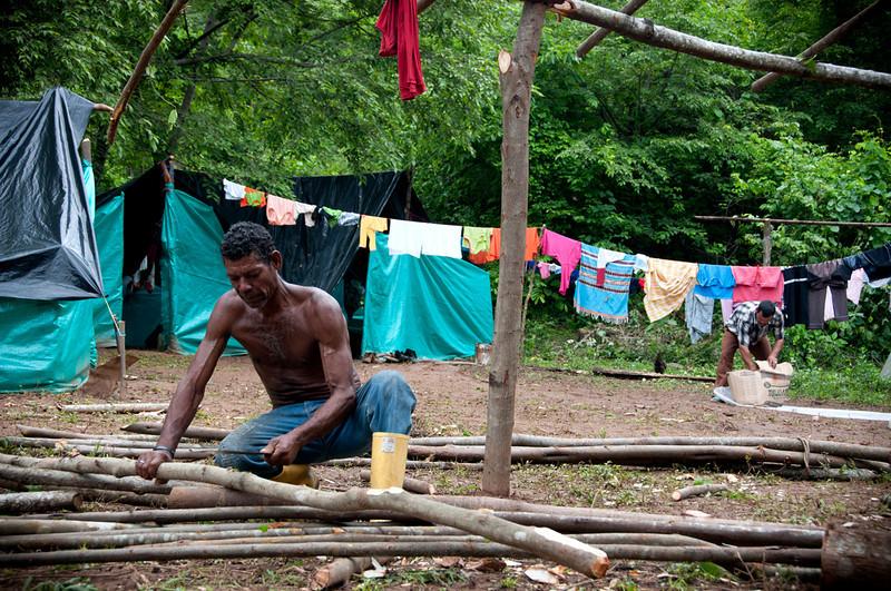 Según cifras de la Defensoría del Pueblo, entre 2006 y 2011 ocurrieron al menos 71 asesinatos de líderes de procesos de restitución de tierras  y sólo entre finales de marzo y mayo de 2013 fueron asesinados ocho reclamantes de tierras. También los líderes de Pitalito temen por su seguridad.