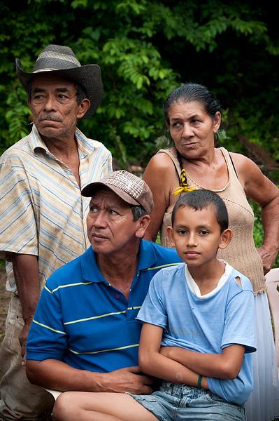 Los líderes de restitución de tierras continúan siendo uno de los colectivos más vulnerables en Colombia. Desde el año 2011 el Gobierno trata de aplicar la Ley de Restitución de Tierras, que pretende devolver para 2014 unos dos millones de hectáreas a cerca de 400.000 familias desplazadas por la violencia. Sin embargo, continúan presentándose obstáculos como  amenazas y asesinatos de líderes reclamantes.