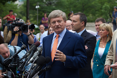Roger Clemens' lead lawyer Rusty Hardin speaks to the press in front of the E. Barrett Prettyman Federal Courthouse in Washington D.C. on Monday, June 18, 2012. Roger Clemens had just been acquitted on all charges that he obstructed and lied to Congress in denying he used performance-enhancing drugs. (Photo by Jeff Malet)