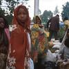 On the road to Kigali.<br /> Rwanda, November 1996.<br /> <br /> © Laura Razzano