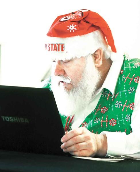 Santas get schooled in ho-ho-holidays