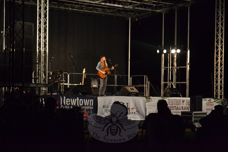 EH_ Newtown Arts Festival, Sawyer Fredericks on stage