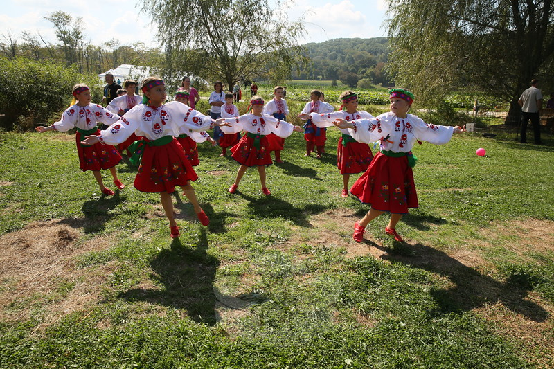 EH_ 42nd Annual Ukrainian Festival Draws A Crowd, Kalynonka dance group rehearses
