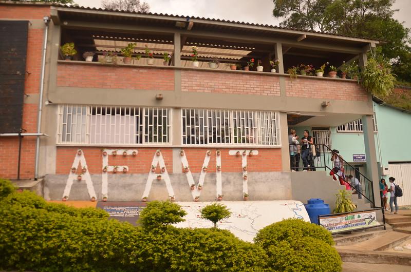 Afavit, Asociación de Familiares de Víctimas de Trujillo, nació en 1995 a raíz de ese primer acuerdo. El objetivo de su creación fue continuar con la lucha en favor de la justicia y cumplir las recomendaciones y conclusiones de la Cidh. Desde entonces y, enfrentando viento y marea, las víctimas siguen luchando contra de la impunidad. Se podría decir que éste es el proceso de reparación simbólica y de memoria más fuerte y enérgico de la región.