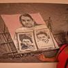 Consuelo Valencia es miembro de Afavit, ella es la jardinera del Parque-monumento. Dos de sus hijos, menores de edad, fueron asesinados en los años 90 y tirados al río Cauca. Su esposo, después de ser torturado por el Ejército, murió por las secuelas de la tortura y de pena moral. Además, también desaparecieron a su hermano, del que todavía no ha encontrado ningún resto. Consuelo vivió la violencia desde los ocho años, sin embargo, su nombre no se encuentra en la lista de las 76 víctimas reconocidas por el Estado a día de hoy.