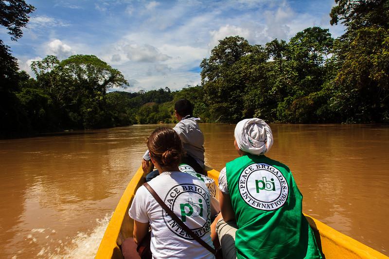 En esta ocasión, dos voluntarias de Brigadas Internacionales de Paz (PBI) acompañaron a la Asociación Campesina del Valle de Río Cimitarra (Acvc) a una misión de verificación en la Zona de Reserva Campesina del Valle del Río Cimitarra que se realizó en octubre de 2012.<br /> Fotografías: Alejandro González/PBI Colombia