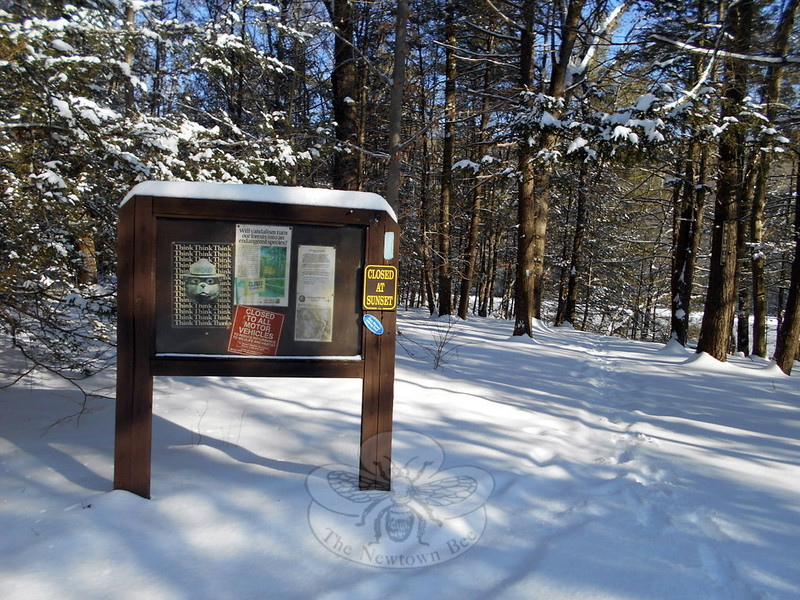 The entrance to hiking trails for the Paugussett State Forest is posted with signs to guide visitors to the state forest. (Bobowick photo)