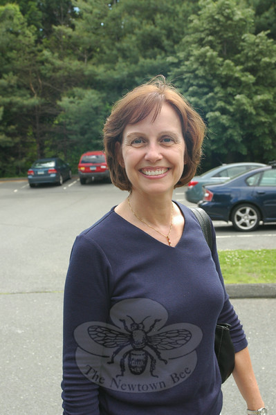 Newtown Bee: What advice would you give to the Newtown High School graduating Class of 2014? Linda Lubinsky: Work hard, but play harder.