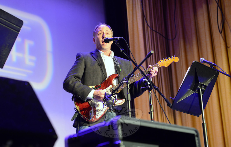 Musician Mark Barden onstage at Edmond Town Hall, where he was the special guest for the March 22 presentation of Flagpole Radio Cafe. (Bobowick photo)