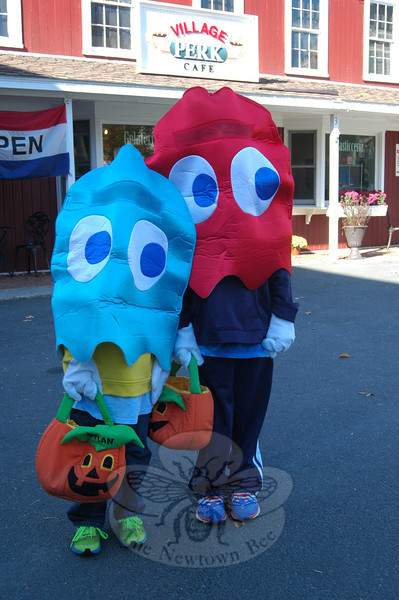Dylan, left, and Jack McDermott visited Village Perk Café while taking SHOP's Halloween Walk. (Hallabeck photo)