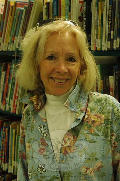The Newtown Bee: Why do you read? Janice Bernard: To expand my horizons. (Silber photo)