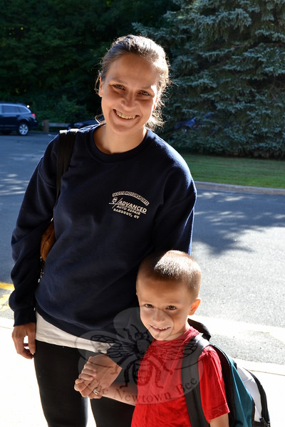 Head O' Meadow kindergartener Nicholas Colavito and his mom Anna smiled together on Thursday, August 27, before Nicholas began his first day of the 2015-16 school year. (Hallabeck photo)
