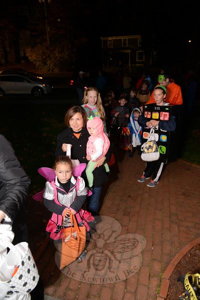 Halloween on Main Street.  (Voket photo)
